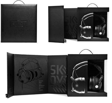 Skullcandy的耳機包// 16簡單的令人驚嘆的全黑的包裝設計: