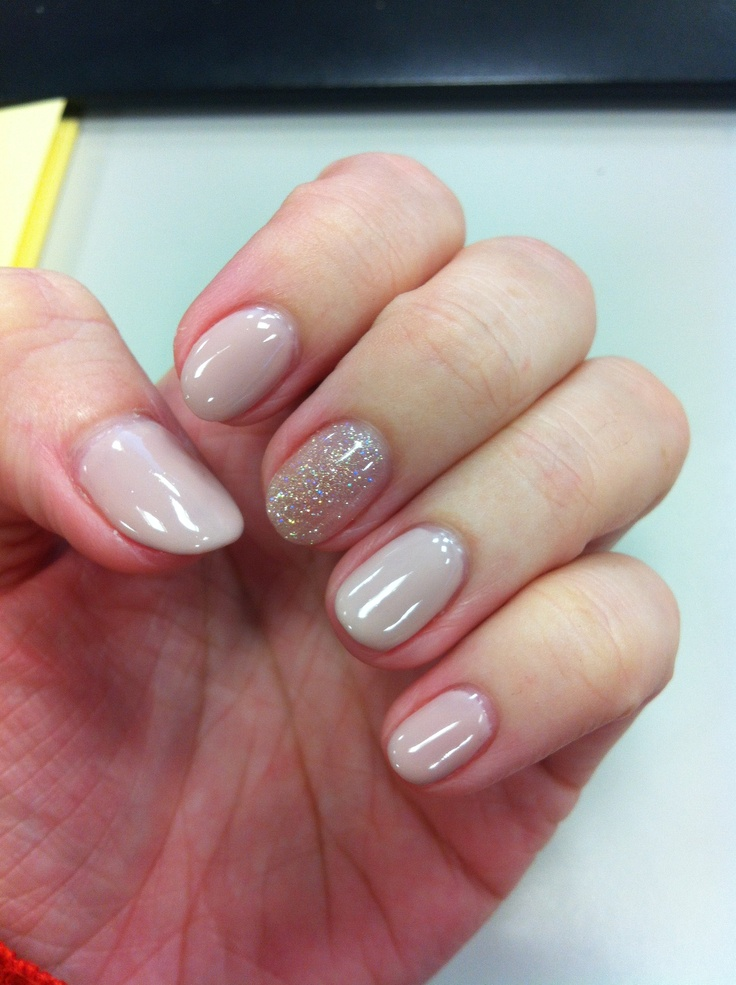 nude nails w/ sparkle (Nail designs courtesy of Winnie at Butterfly nail salon in Taipei, Taiwan)