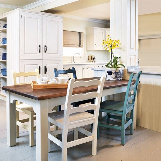 Kitchen Peninsula With Column: Kitchen-diner With Peninsula