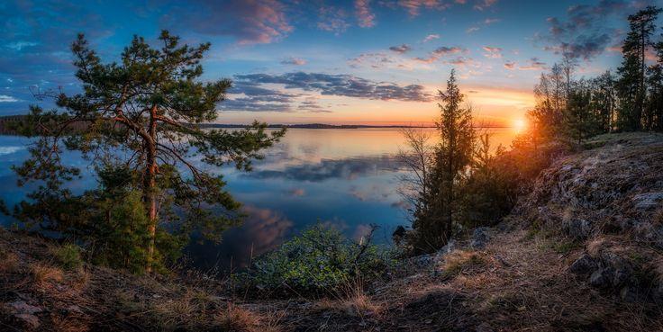 Vanajanniemi Panorama - Panoramic sunset view to lake Vanajavesi, captured from…