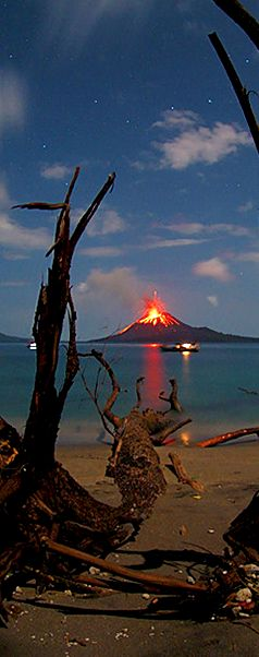 Anak Krakatau Volcano Eruption By Marco Fulle #volcano #indonesia