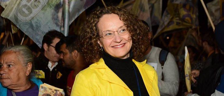 Noticias ao Minuto - Lula se coloca num patamar superior ao dos mortais, diz Luciana Genro