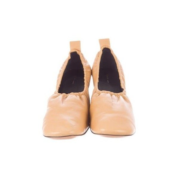 Céline Soft Ballerina Pumps - Shoes - CEL30914 | The RealReal (€480) via Polyvore featuring shoes, pumps, ballerina shoes, ballet pumps, ballerina pumps, ballerina flat shoes et ballet flat shoes