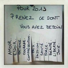idée carte de voeux _ J'adore!!! Très sympa avec une meilleure typo / présentation où en photo pris sur un arbre avec quelque morçeaux arrachés :)