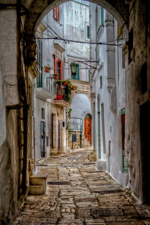 Ostuni, Puglia - Italy I'm in love with Italy! Architecture & beauty!