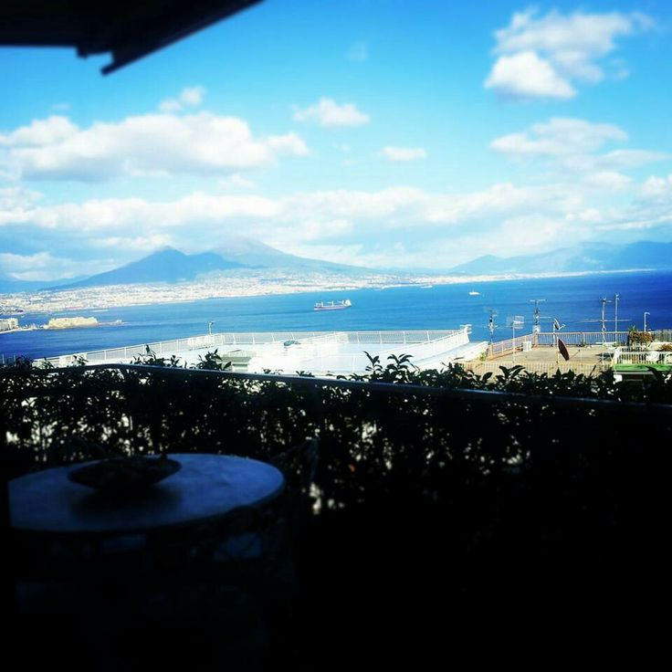 Com e bello lavorare con una vista cosi! #projectDay #workInProgress #naples #italy #teamWork