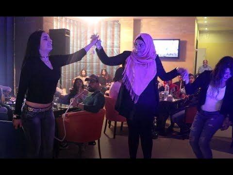 بنت لبنانية تهبل الموجودين بالدبكة على الأول | Lebanese Girl Dabke Noven...