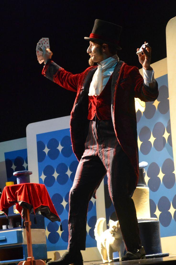 A Fábrica de Cultura Parque Belém - unidade do programa Fábricas de Cultura da Secretaria de Cultura e do Governo do Estado de São Paulo - promove um espetáculo especial de teatro de mágica voltado para o público infantil.