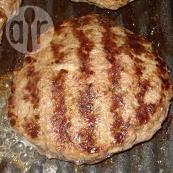 Bifteki (bife de carne moída à moda grega) @ allrecipes.com.br