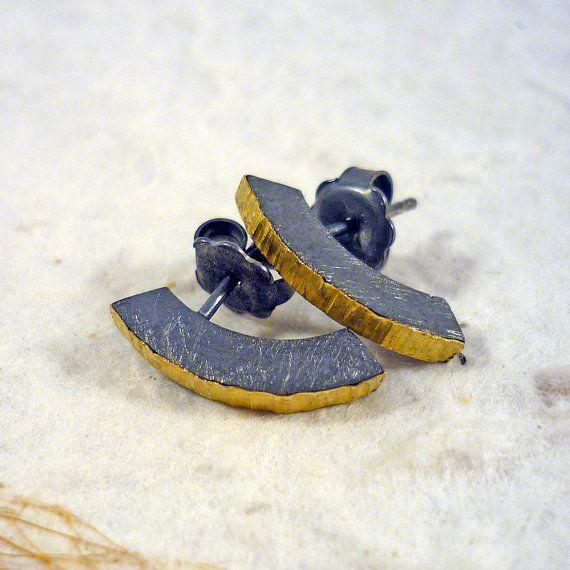 Cèrcols. Pequeños pendientes de plata oxidada y por RosaTejadaJoies, €82.00