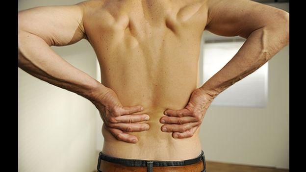 El dolor más abajo de los riñones del ejercicio