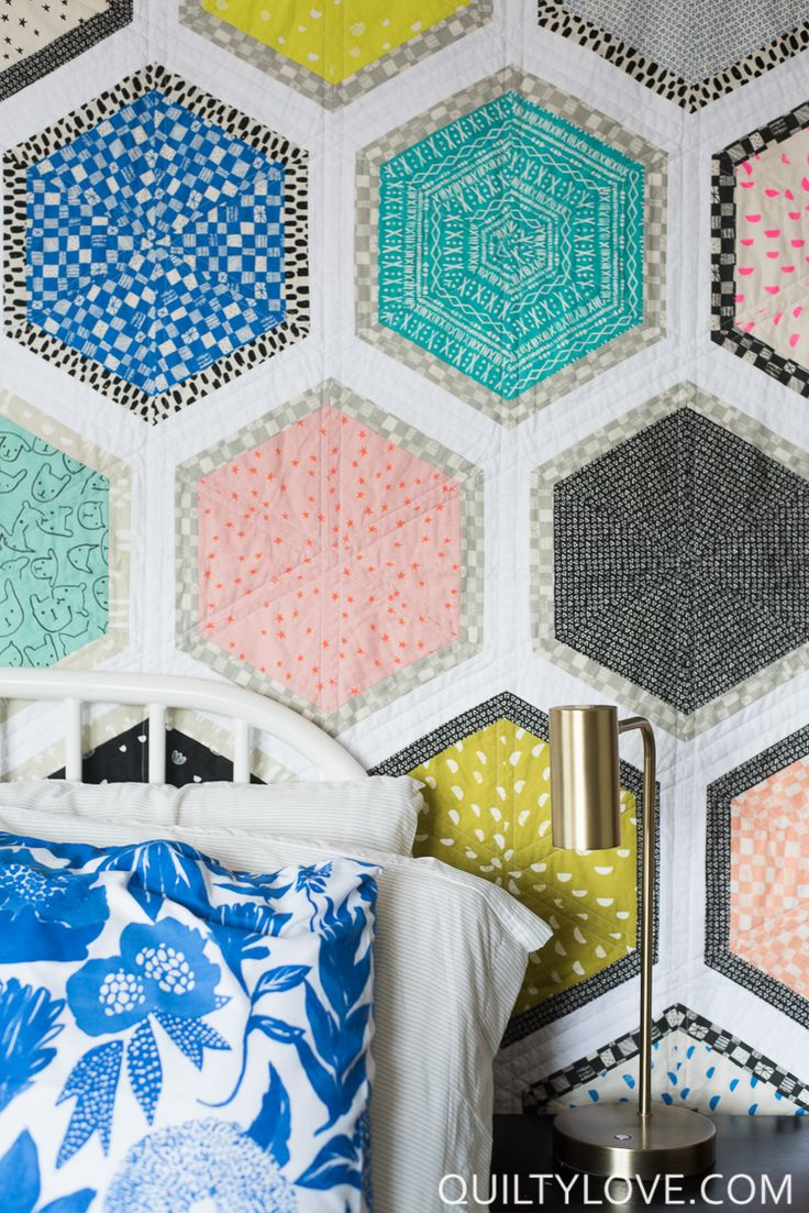 Best 25+ Fat quarter quilt ideas on Pinterest Fat quarter quilt patterns, Quilt sizes and Fat ...