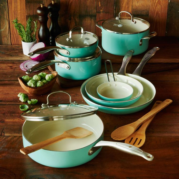 Greenpan healthy ceramic nonstick 14 piece cookware set for Sur la table mixing bowls