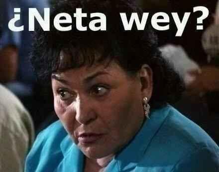 Cuando alguien te esté contando un chisme jugoso: | 17 Memes de Carmen Salinas que puedes usar para cualquier ocasión