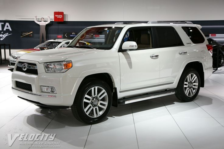 2013 Toyota Forerunner | 2013 Toyota 4Runner I WANT THIS. But in green. Must be in green.