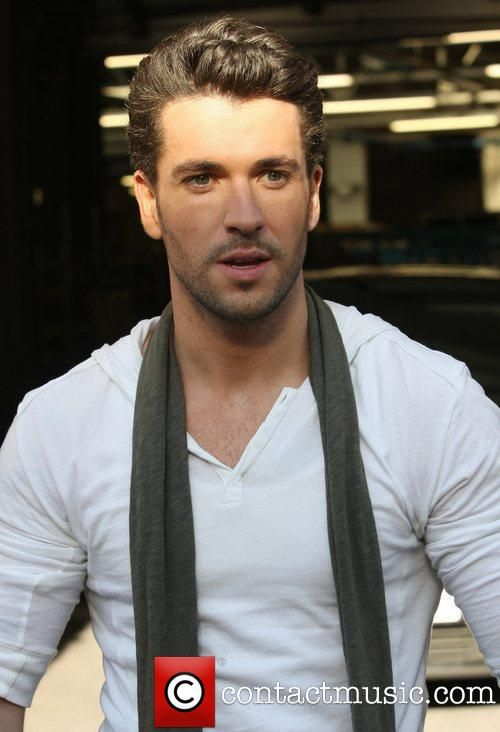 Shayne Ward. mmmmm so hot! :P Oh Yes !