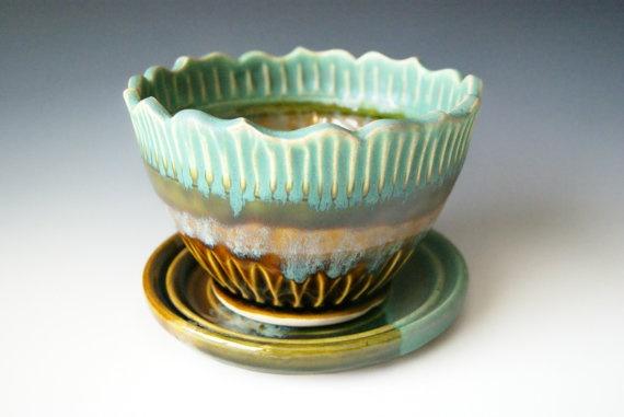 Berry Bowl / Handmade Pottery / Fluted Lotus by riverstonepottery, $45.00Berries Bowls, Handmade Pottery, Ceramics Art, Art Community, Flute Lotus, Community Noticeboard, Riverstonepottery Etsy Com, Bowls Throw