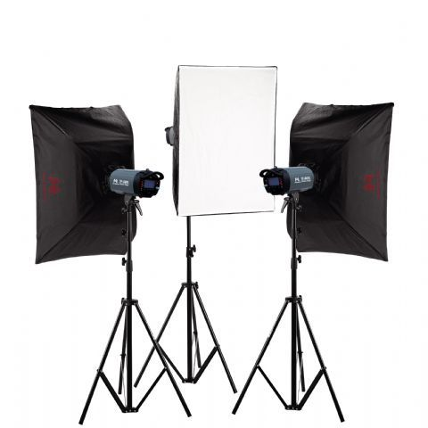 Falcon Eyes Studioflitsset TFK-3400L met LCD Scherm  De Falcon Eyes Studioflitsset TFK-3400L is een zeer complete set voor de profesionele gebruiker. Meegeleverd wordt een harde rolkoffer waarmee u de flitsset eenvoudig kunt vervoeren. De flitsset wordt geleverd met de moderne Falcon Eyes TF-400L studioflitser. Dezeprofessionele studioflitser heeft een flitsvermogen van 400Ws en wordt met alle benodigdheden geleverd om direct aan de slag te kunnen. De flitser biedt alles wat u van een…