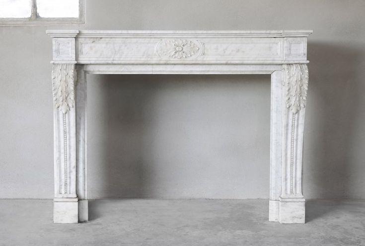 Wunderschöner antiker weißer Cararra Marmorkamin…