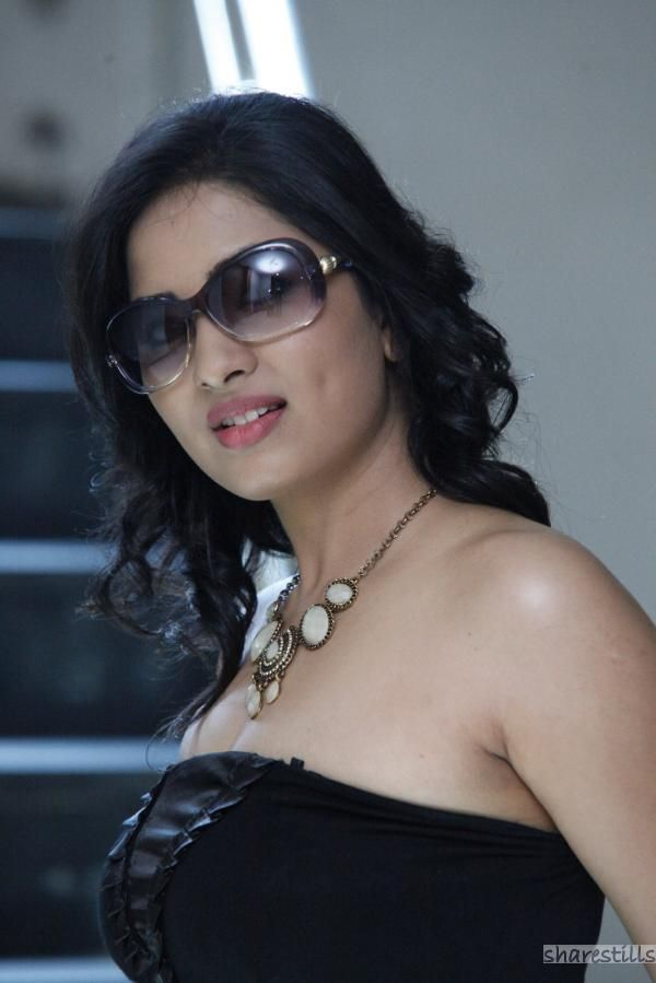 http://sharestills.com/actress-biography/1/srushti-dange/srushti-dange-3.jpg