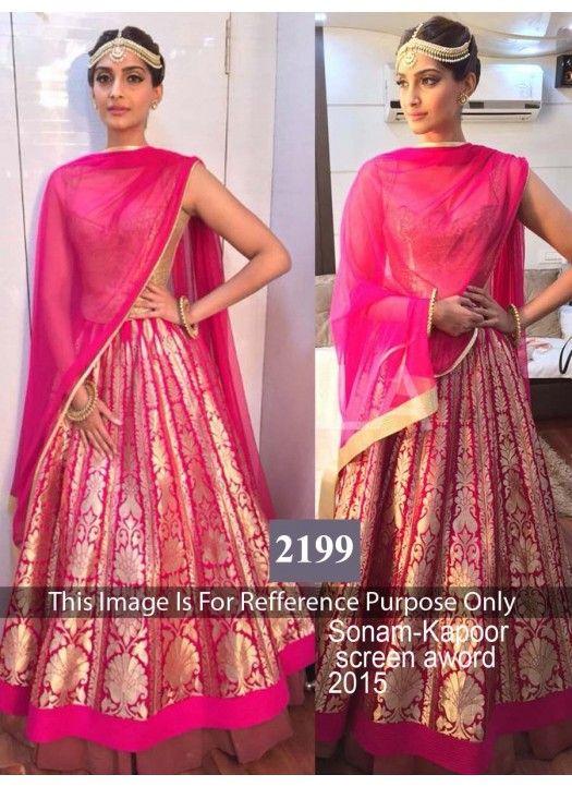 Khantil & Fabboom Sonam Kapoor Pink Lehenga Choli @Looksgud.in #SonamKapoor #LehengaCholi