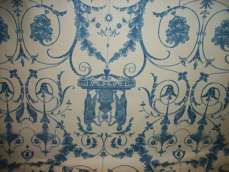 Percale en coton imprimé « Toinette », style du XVIIIème siècle, fond crème, décor bleu de prêtresses rendant une offrande à un faune dans des rinceaux avec oiseaux. Prix public en boutique : 106, 00 € le m Métrage : 69, 70 en 1, 27 m de large. Art Richelieu - 13/04/2015