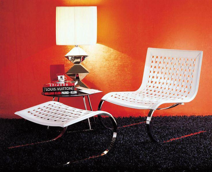 poltrona pelle bianca rossa nera mucca poltroncina camera letto salotto cucina ingresso moderna vintage arredamento casa moderno bar alberghi design hotel