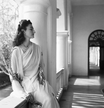 Political Personalities: Three quarter length portrait of Princess Durri Shehvar Berar, only daughter of the former Sultan of Turkey, photographed wearing a jewelled sari in India.  Beaton, Cecil  © IWM (IB 783)