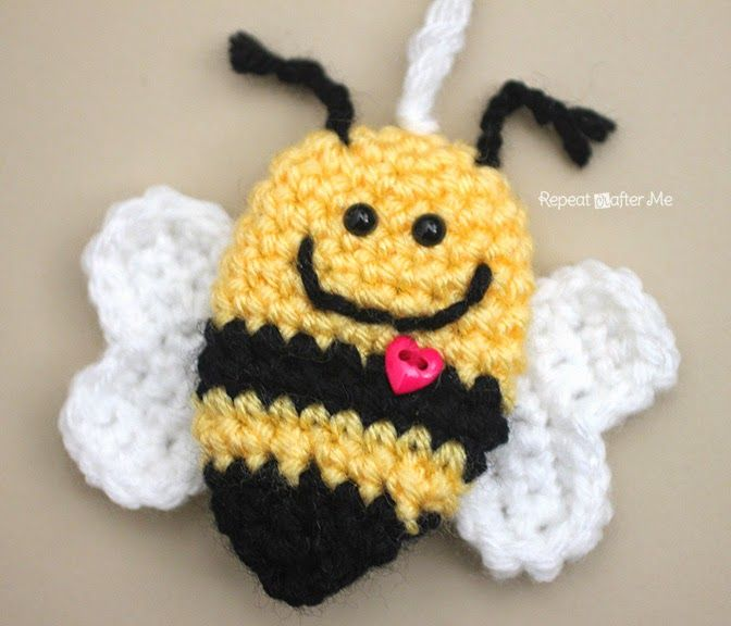 Here is another Bee Mine Valentine bumble bee keychain idea. You saw the felt version yesterday...