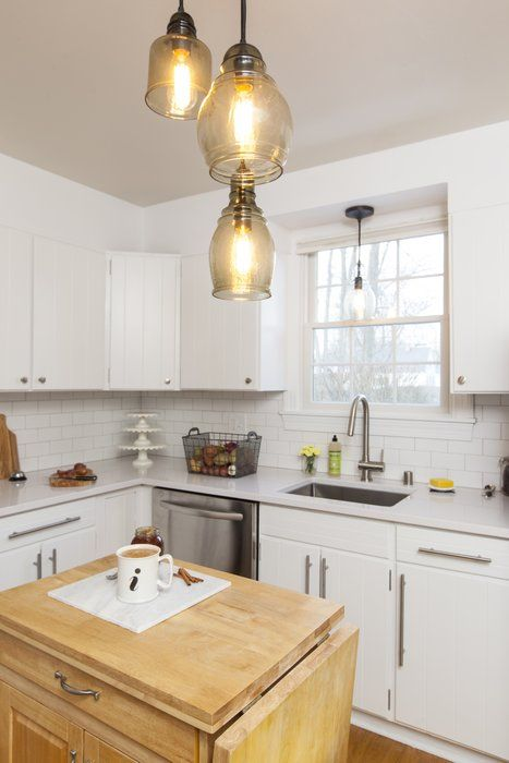 To make a white, neutral kitchen more dynamic, JZID mixes different materials. Butcher block mixed with quartz and stainless steel mixed with marble add a modern touch to an older, traditional kitchen. Modern & Contemporary Kitchen Design