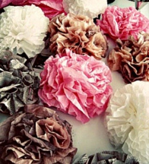 40+ coffee filter crafts for kids and adults. Ideas for making: flowers, butterflies, wreaths, roses, snowflakes, Christmas, Halloween, fall. Coffee filter art projects using food coloring, markers,