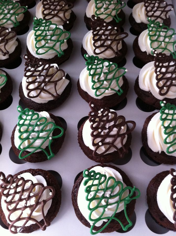 piped chocolate Christmas trees cupcakes ~ <3