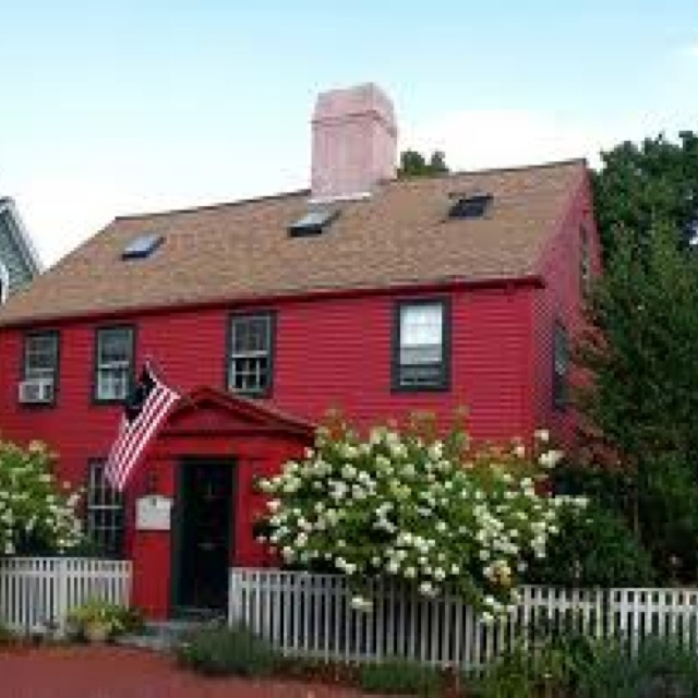 red house with black window trim exterior pinterest house rh pinterest com Center Hall Colonial House Landscaping Colonial House Old Windows