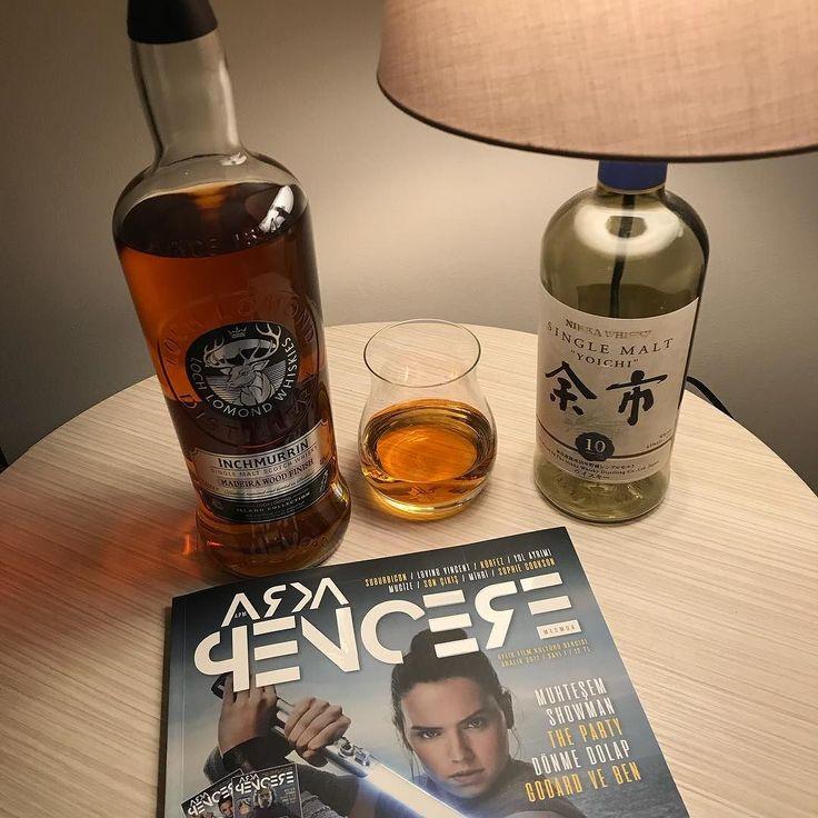 Sinema viskinin en güzel eşlikçilerinden ve yepyeni bir #sinema dergimiz oldu Tamam biliyorum zaman dijital yayıncılık zamanı ama elime kadehimi alıp böyle dopdolu bir derginin mis gibi kokan sayfalarını çevirmenin keyfi bambaşka Müthiş bir mecmua tüm @arkapencere_dergi ekibine bravo #dergi #arkapencere #arkapenceremecmua #viski #whisky #whiskey #singlemalt #bourbon #burbon #scotch #scotland #viskitadimi #maltingunu #meleklerinpayi #whiskyporn #whiskylove #whiskygram #InstaLike #InstaDram…