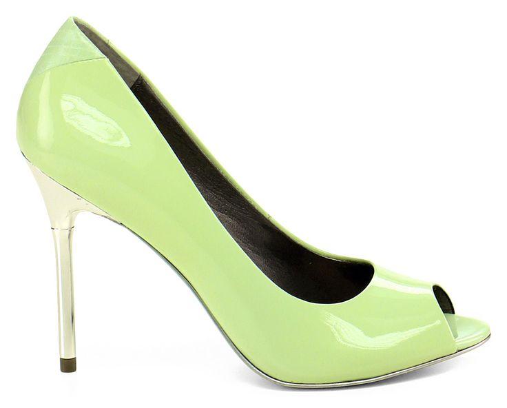 Scarpa con tacco in vernice con suola in cuoio, calzata stretta. Tacco 110, calzata piccola. COLOR: VERDE ACQUA DEPARTMENT: Women DESIGNER: Sam Edelman - Le Follie Shop