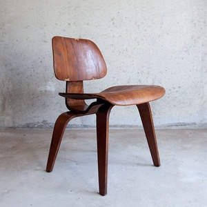 Eames DCW Chair now featured on Fab.: Wooden Chairs, Vintage Chairs, Wood Chairs, Lounges Chairs, Eames Chairs, Charles Eames, Eames Lcw, Brick Houses, Chairs Design