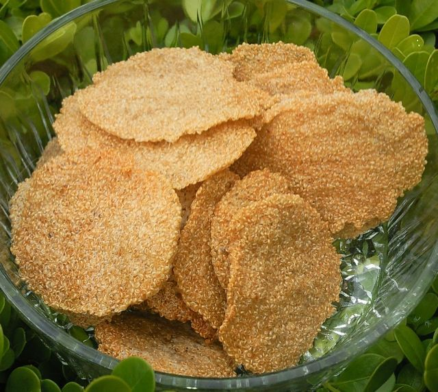 Amaranth Cracker -JUST Amaranth, water. (Consider adding salt, sesame seed, seasoning.) wow! Very LEAP friendly!