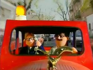Un caso de misterio muy misterioso. Armando Adistancia y Borja Mondeyork investigan un secuestro en la calle San Benito Bercimuelle.  http://www.youtube.com/watch?v=GyBXDeKDEp8