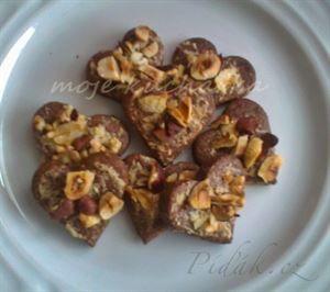Recept - Čokoládová srdíčka s lískovými oříšky