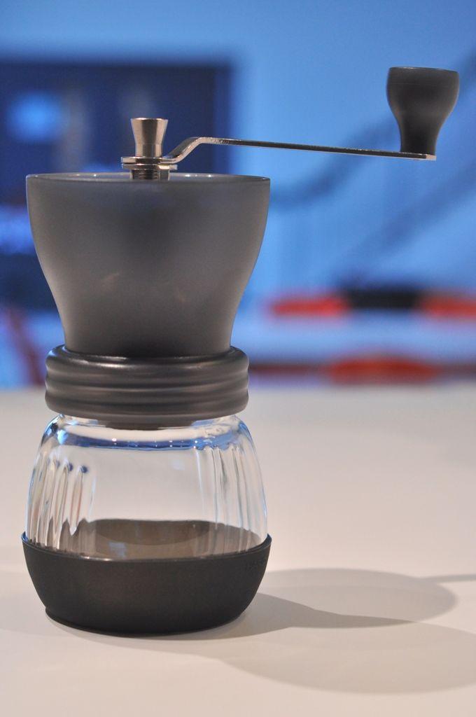 "Hario Ceramic Grinder ""Skerton"",για φρεσκοκομμένο καφέ."