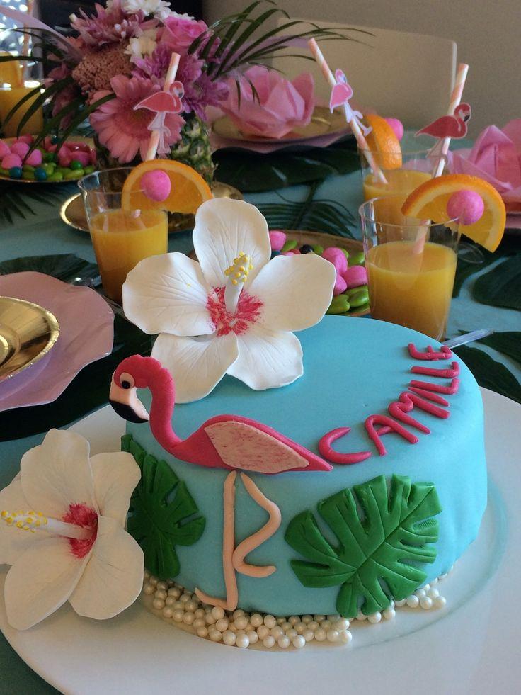 Gâteau PAS tropical, flamant rose et hibiscus. Aloha ! Pour le 9ème anniversaire de ma fille, nous aurions aimé emmener tous les enfants en voyage sur une île tropicale ! Malheureusement ce n'était pas possible ! Au lieu de cela, nous avons fait venir...