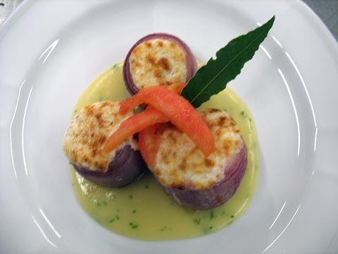 Cipolla di Tropea gratinata ai formaggi di malga e noci