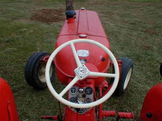 AC Allis Chalmers D17 tractor for sale