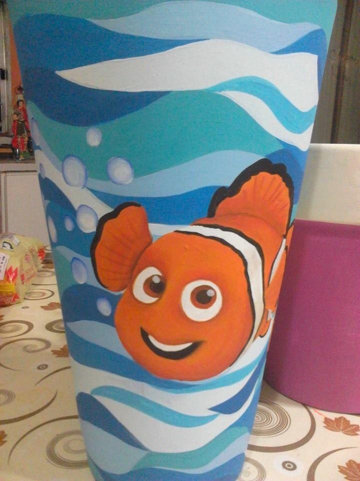 Maceta Nemo pintada a mano