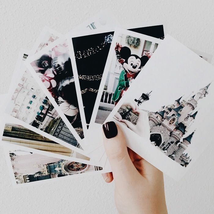 Polaroids of your Disney trip. Scrapbook ideas