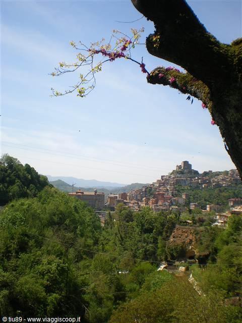 Esperienza #Smartbox: soft rafting sull'Aniene e visita dei monasteri benedettini a Subiaco. #Lazio