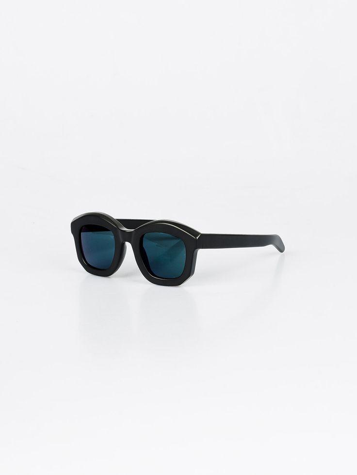 KUBORAUM , B2 Black Matt Güneş Gözlüğü #shopigo#shopigono17#accessories#womenswear#menswear#fashion#sunglasses#style#colourful