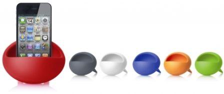 Met een ontwerp geïnspireerd op de meubeltrend van eind jaren '60 biedt de Magic Bean u peace, love en ... Muziek! De Magic Bean is een telefoonhouder die het mono geluid van uw telefoon een stereo effect meegeeft. Geschikt voor all smartphones met een speaker aan de onderzijde.