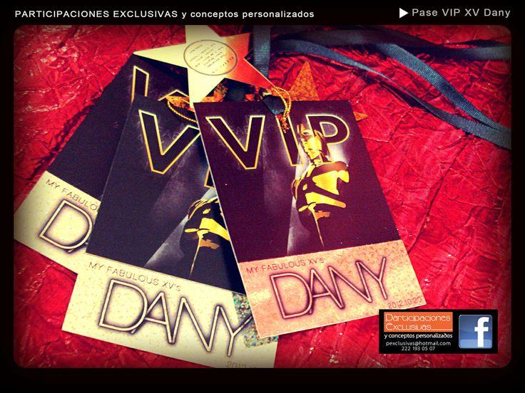 Invitaciones Hollywood party!!! solo lo mejor para ti en ese día tan especial!!! #misxv #invitacionesxvs #invitaciones