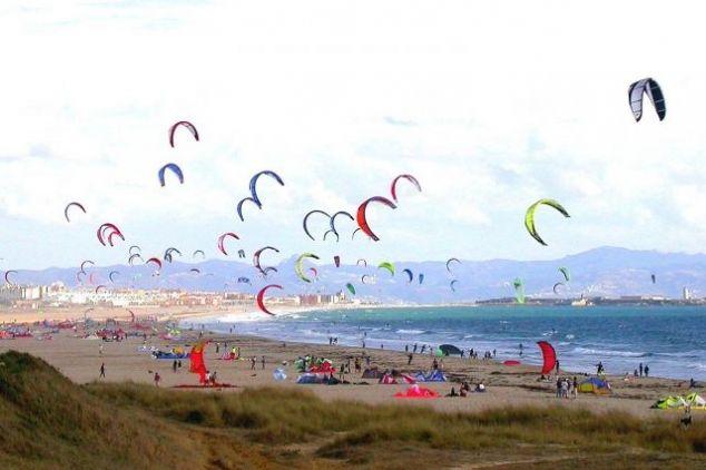 Un #enjambre de #kites en #Tarifa